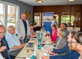 """Politiker, Wissenschaftler und Angler-Vertreter auf der Gesprächsrunde """"Dorsch"""" in Wismar. Bild: Evelyn Koepke"""