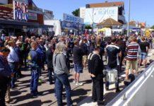 Zahlreiche Angler demonstrierten in Heiligenhafen gegen das geplante Angelverbot in den Schutzgebieten von Nord- und Ostsee.
