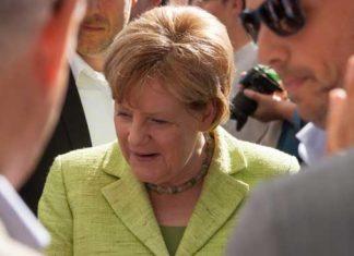 Bundeskanzlerin Dr. Angela Merkel bei einem Wahlkampfauftritt in Heiligenhafen.