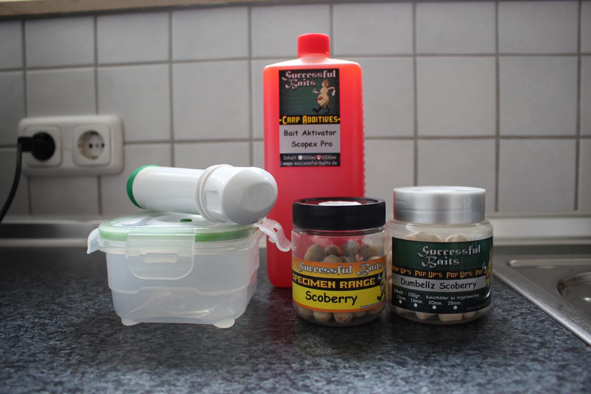 Eine Gefrierdose mit Vakuumpumpe sorgt dafür, dass Flüssigkeiten noch besser in die Boilies einziehen.