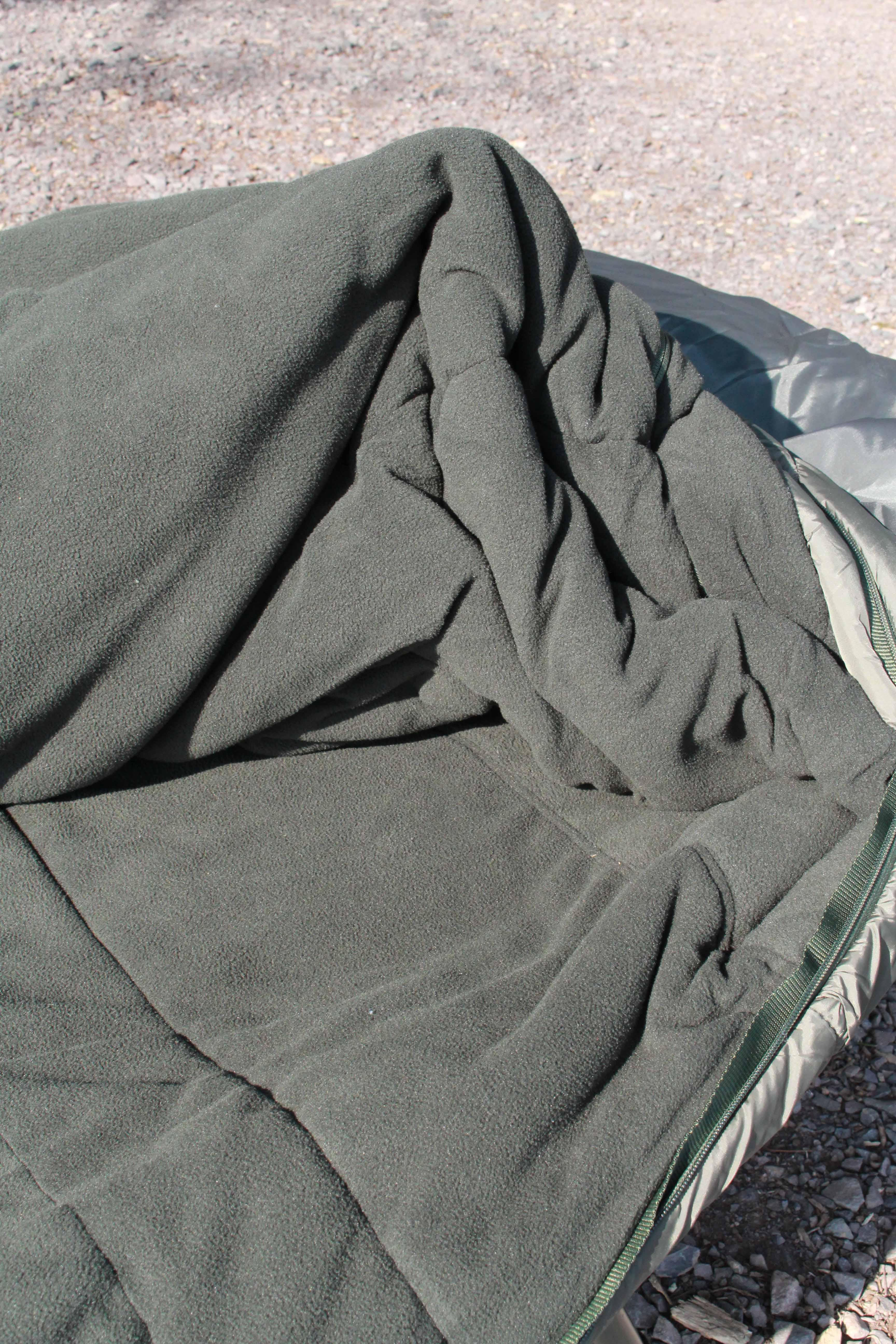 Sleeping Bag 4 low.jpg