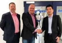Links: Markus Brill-Heck von SPRO. Mitte: Volker Herbst, AngelSpezi-Gruppe. Rechts: Yoshitaka Yamaguchi, SPRO.
