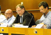 DAFV Vizepräsident Thorsten Wichmann (Mitte) berichtet im EU-Parlament über die Angelverbote in den deutschen Meeresschutzgebieten. Foto: DAFV