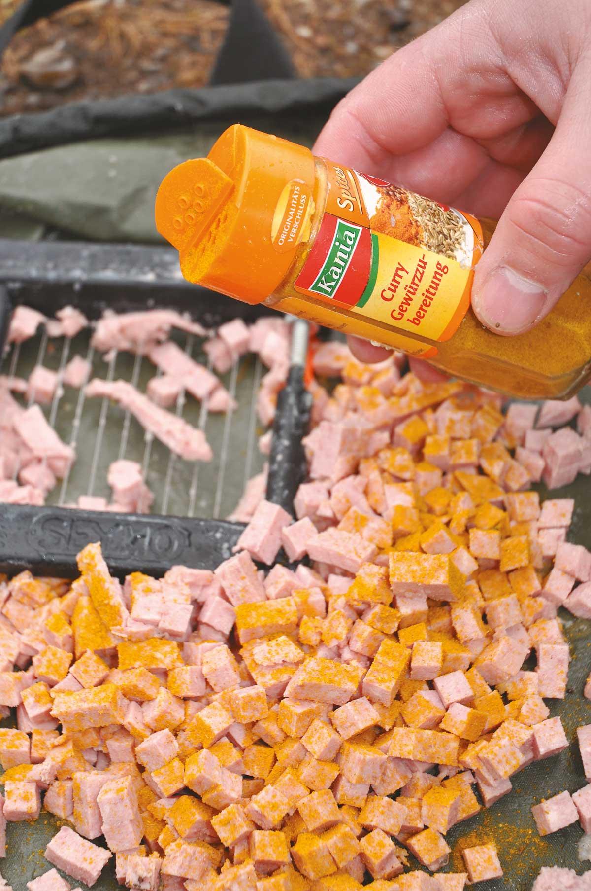 Für den besonderen Geschmack sorgt etwas Currypulver.