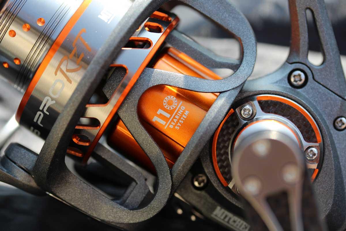 Kurbelarm aus Carbon mit Aluminiumeinlage mit griffigem Knauf aus hochwertigem EVA-Schaumstoff.
