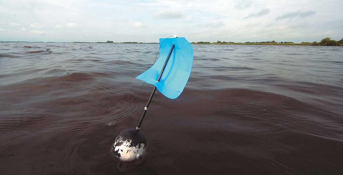 XXL-Segelpose Marke Eigenbau: Sie muss das schwere Blei samt Köder tragen.