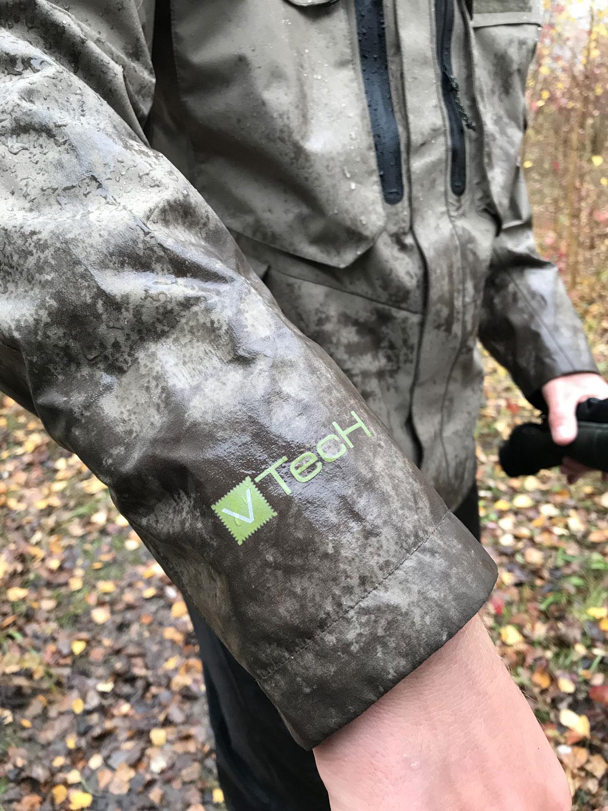 Wasserdichte Cinch Cuffs (Armbündchen) verhindern nahezu das Eindringen von Wasser.
