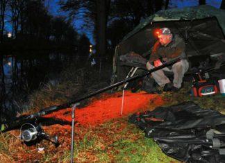 Der Autor schwört beim Nachtansitz auf Kopflampen mit Rotlicht, das die Fische kaum stört.