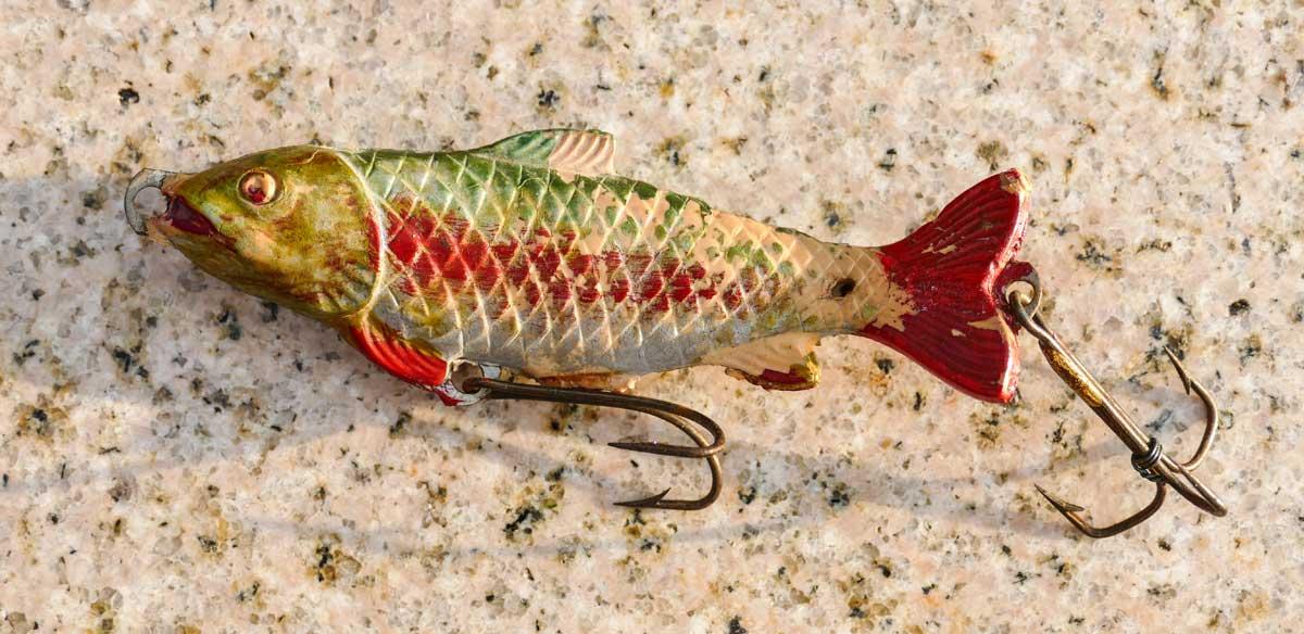 Wegweisend: der Plastikfisch von Sol, entworfen und entwickelt in den frühen 1950er Jahren. Dank des hohen Eigengewichts musste kein Spinnblei mehr vorgeschaltet werden.