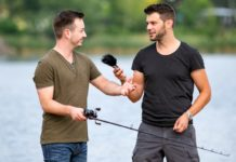 Fisch Ahoi-Herausgeber Stefan Tesch (rechts) im Podcast-Interview mit einem Angler. Bild: Norbert Novak