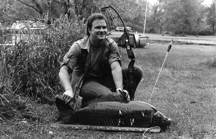 """""""Bow Fishing"""" auf Karpfen ist in den USA immer noch eine populäre Freizeitbeschäftigung."""